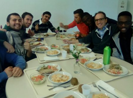 A pranzo con degli studenti di Villa Aurora