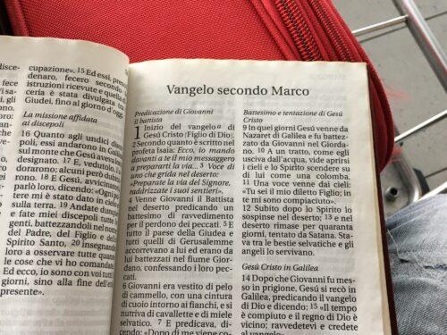 Lettura del Vangelo di Marco conclusa all'aeroporto Schiphol, Amsterdam