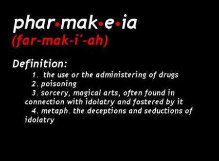Qual è il rapporto tra farmacologia e pharmakeia?